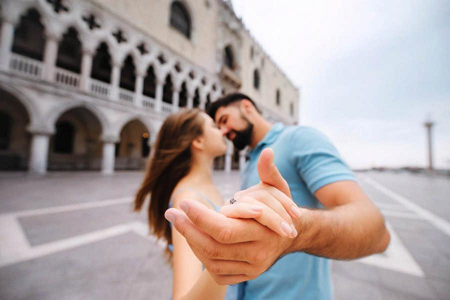 Be engaged in Venice. Предложение в Венеции.